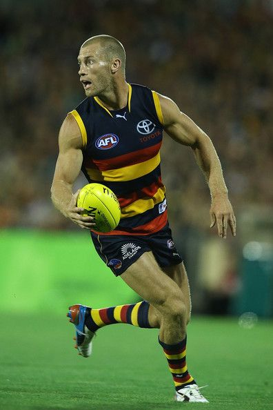 Adelaide Crows v Essendon Bombers http://footyboys.com
