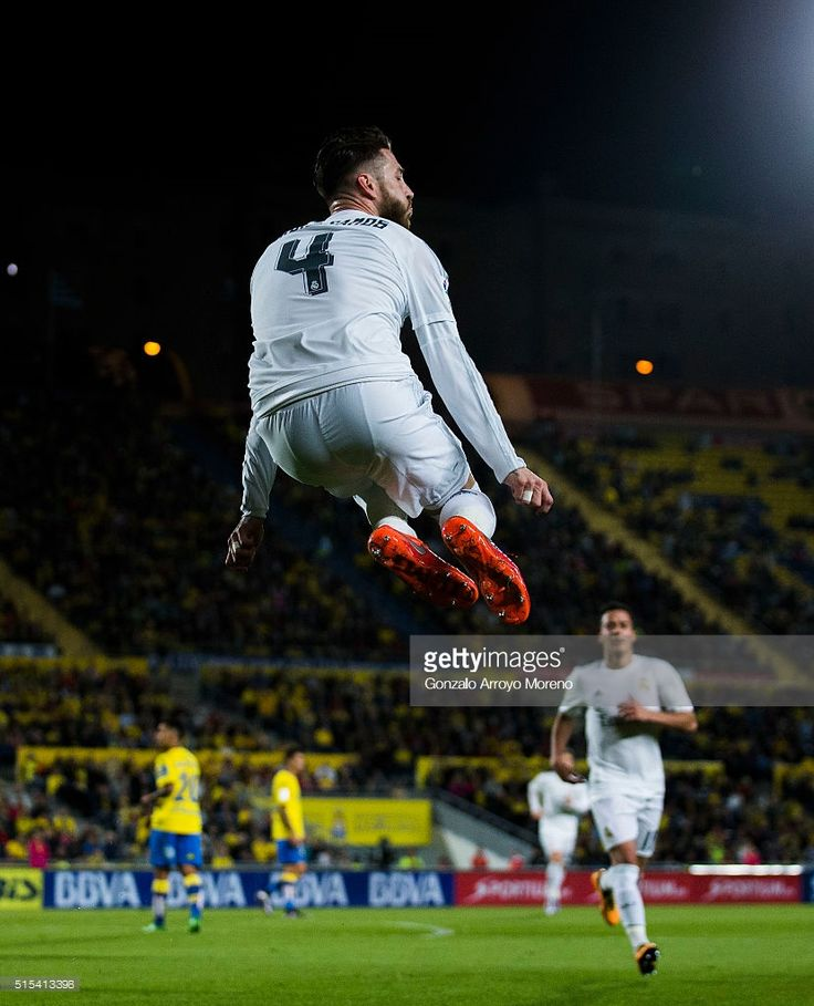Sergio Ramos of Real Madrid CF celebrates scoring their opening goal during the La Liga match between UD Las Palmas and Real Madrid CF at Estadio de Gran Canaria on March 13, 2016 in Las Palmas, Spain.