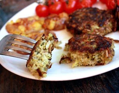 Brokkoliburger (kokt ris + brokkoli + havregryn) #5ingredients #broccoli #rice #oats #vegan #vegetarian