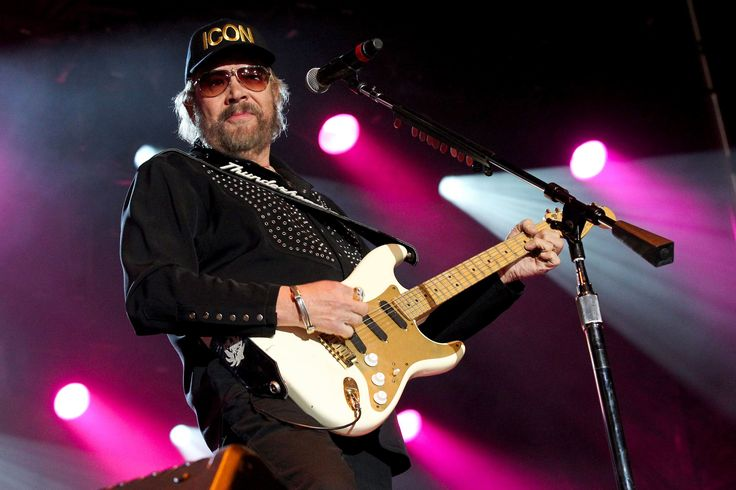 ESPN is bringing Hank Williams Jr. -- and all his rowdy friends -- back into the Monday Night Football fold, six years after the sports network parted ways with the brash country rocker following controversial remarks involving then-President Barack Obama.
