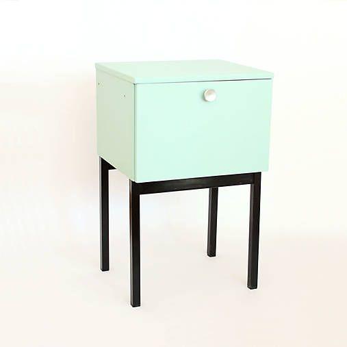 retro-design / Nočný stolík UP závody Bučovice