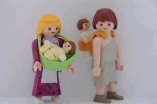 Playmobil babywearing!