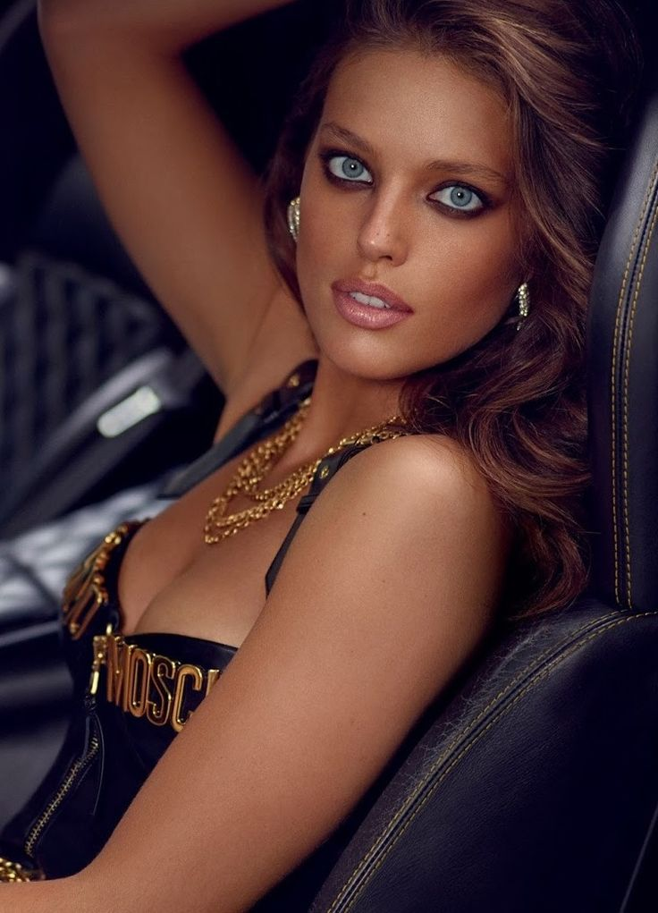 Emily Didonato by Miguel Reveriego for Vogue Spain October 2014