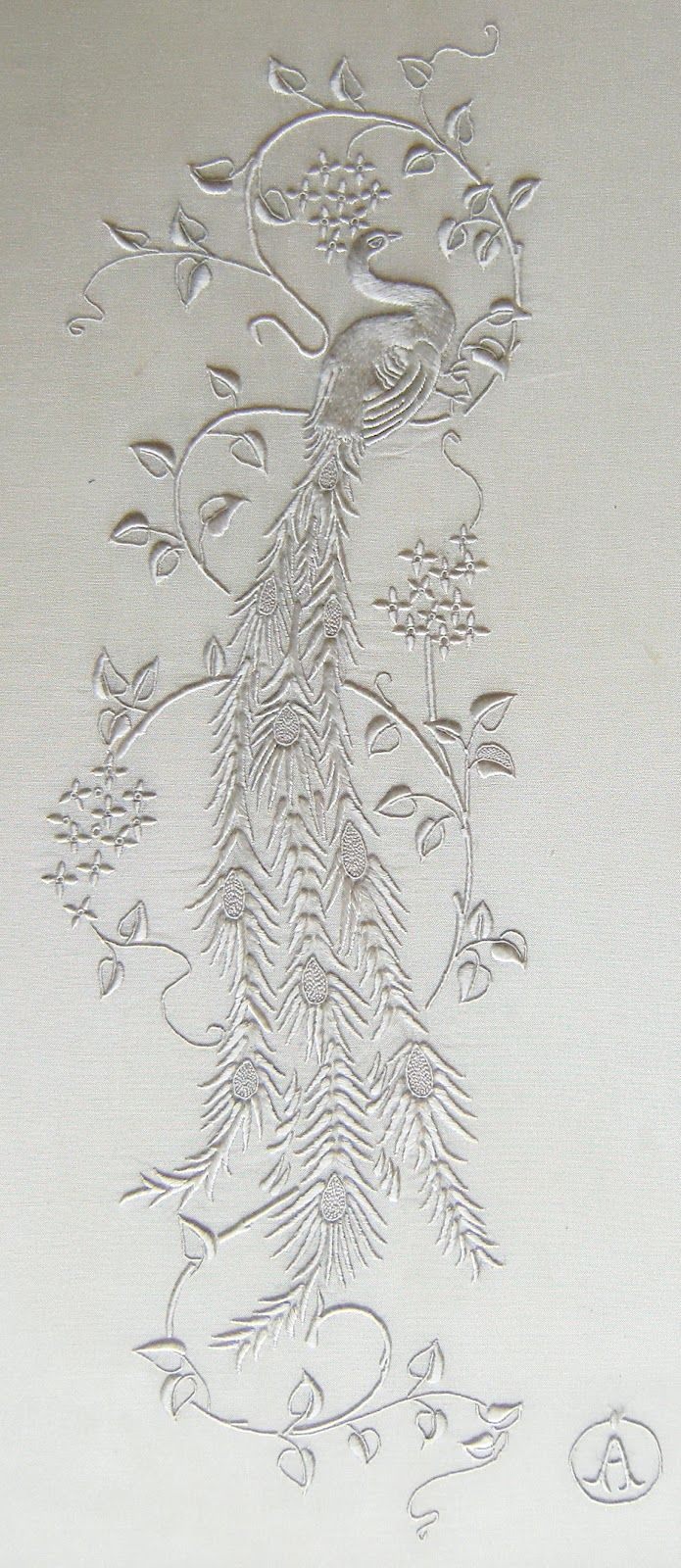 Une merveille de miniature brodée en fil de soie Anchor qui malheureusement ne se fait plus aujourd'hui.
