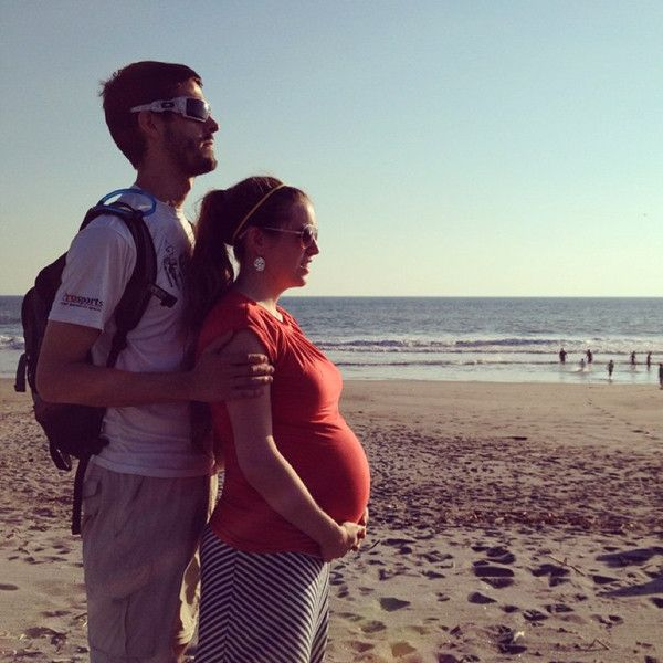 Whoa, Mama! Jill Duggar Shows Off Her Baby Bump at the Beach?Check It Out!