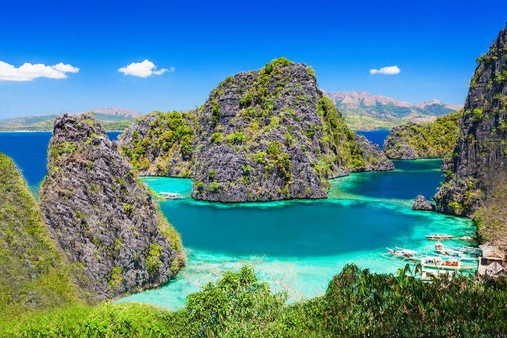 ILHA PALAWAN, FILIPINAS Essa pequena ilha, além de ter praias paradisíacas e água cristalina, abriga uma das sete maravilhas naturais do mundo: o rio subterrâneo de Puerto Princesa. Além disso, tem dois Patrimônios Mundiais da UNESCO: o rio e o Parque Marinho de Recife de Tubbataha.