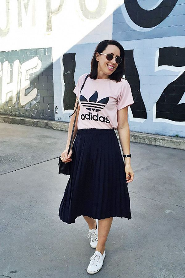 Pair a cute graphic tee with a flowy skirt.