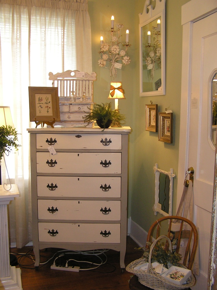 vintage chalk painted dresser... available at Park Street Antiques in  Jacksonville, FL - 94 Best Chalk Painting Images On Pinterest Wood, Antiques And