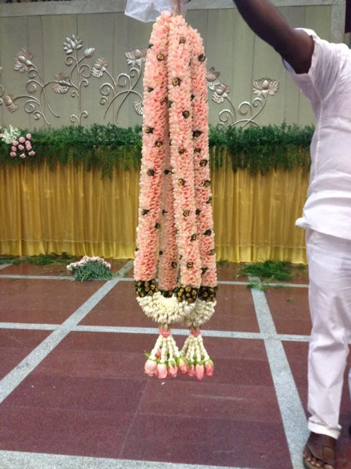 peach colour garlands