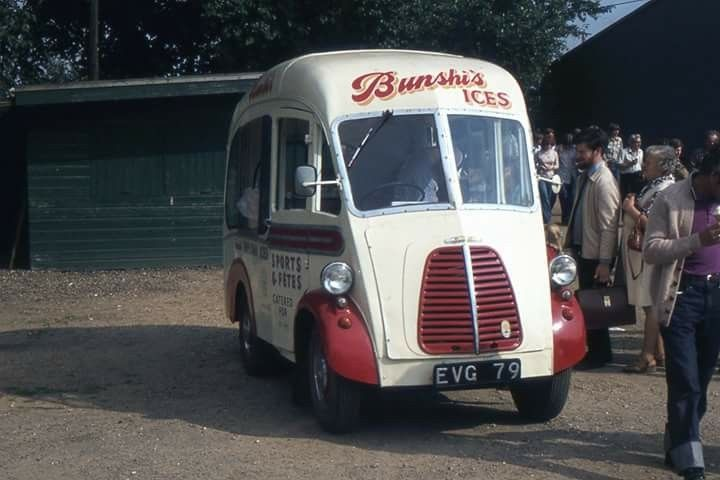 Morris J Ice Cream Van Bunshies