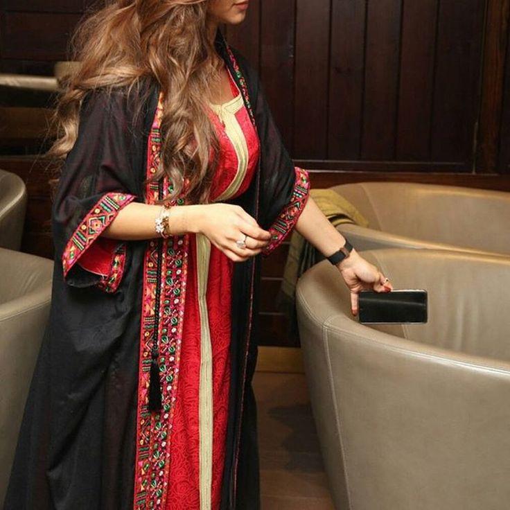 #abaya #abayastyle #abayafashion #modestfashion #abayashopping #khaleejistyle #khaleeji #dubaifashionista #dubaistyle #dubaigirl #styleguide #shoppingguide #jalabiya #fashiondiaries