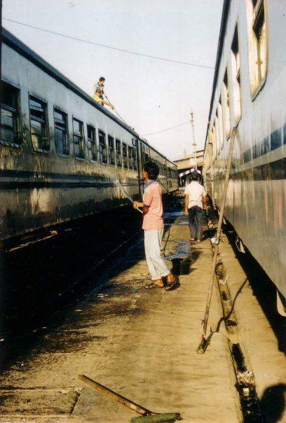 """ Cuci Gerbong "" Hunting di Stasiun Yogyakarta"