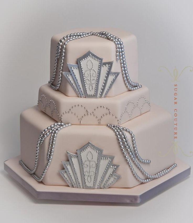 Gorgeous Art Deco style wedding cake