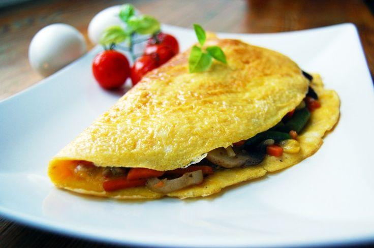 Sycące śniadanie - omlet z warzywami.