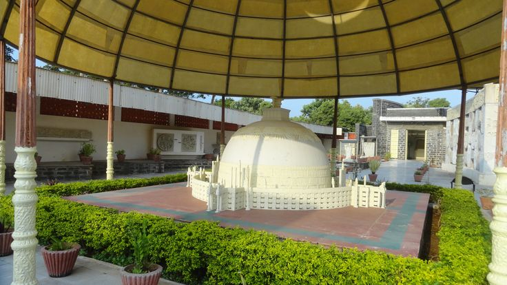 Amaravati #museum is one of the most popular #tourist places in #AndhraPradesh where you can see various antique things. The greatest attraction of the Amaravati Museum is the tall and elegant bronze statue of Lord Buddha. There are galleries in this #museum that take the visitors very close to the old #history of this region and the life of the great Gautam #Buddha. #travel #attraction
