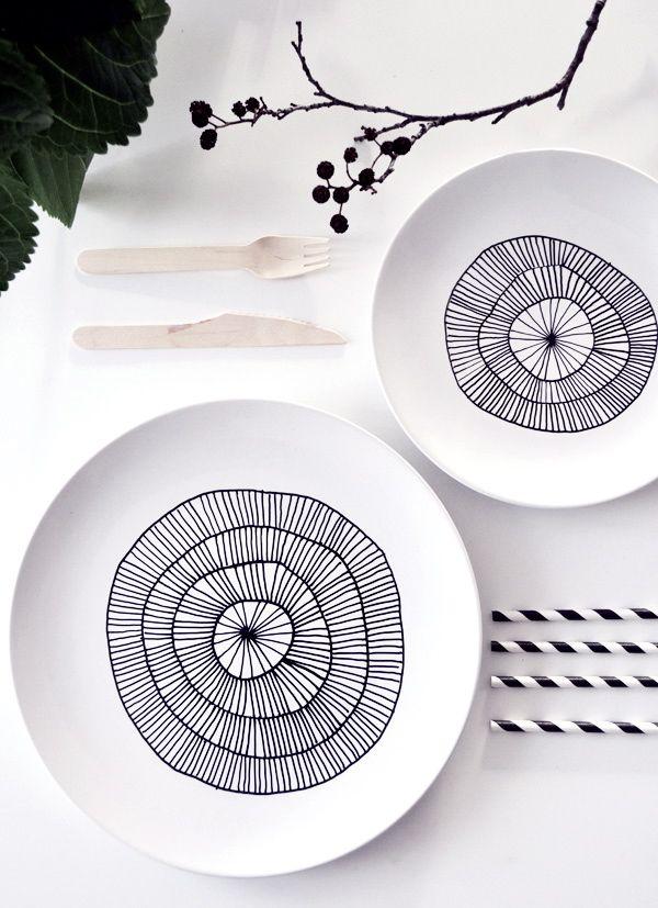 Look at this beautiful DIY plate. So pretty!
