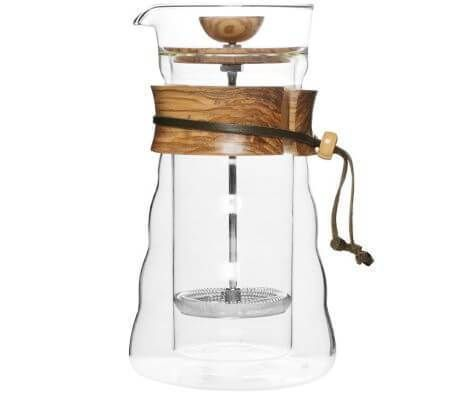 The Hario Olive Wood Cafe Press features a classic stainless steel mesh filter. This filter keeps your mug clean of large coffee grounds and produces a final cup that's full bodied and full flavored.