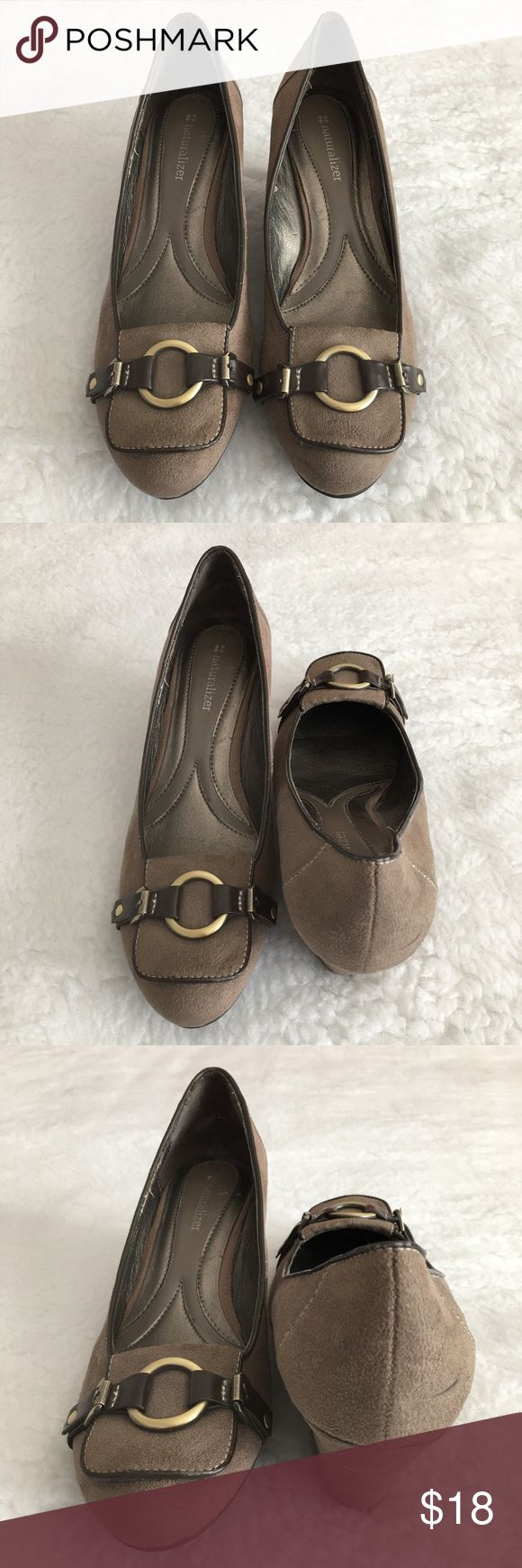 "Naturalizer Beige Wedge Pump size 8M Only used once, in very good condition, very comfortable Pump for career or casual wear. It does have a scuff on the left inner ankle but it's hardly noticeable, size 8M with heel height of 2 3/4"". Naturalizer Shoes Wedges"