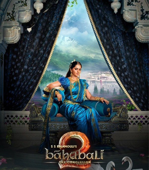 2 days to go for Baahubali 2, Anushka Shetty as Devasena looks like a painting brought to life in this latest pic #FansnStars