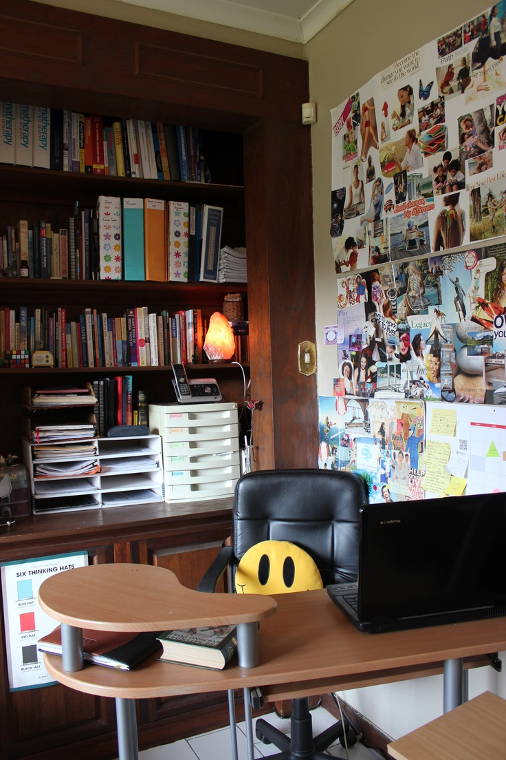 My office complete with vision boards and Himalaya salt lamp ! So organized!