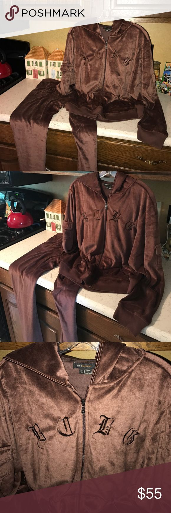 BCBG Track suit - Brown 3X - 2 pieces NWOT 2 piece Velour track suit - BCBG Max Azria brand - new without tags, never worn - women's size 3x - brown (see my other listings for the exact same but NWT in a light tan color) Hoodie zip up jacket drawstring pants BCBGMaxAzria Other