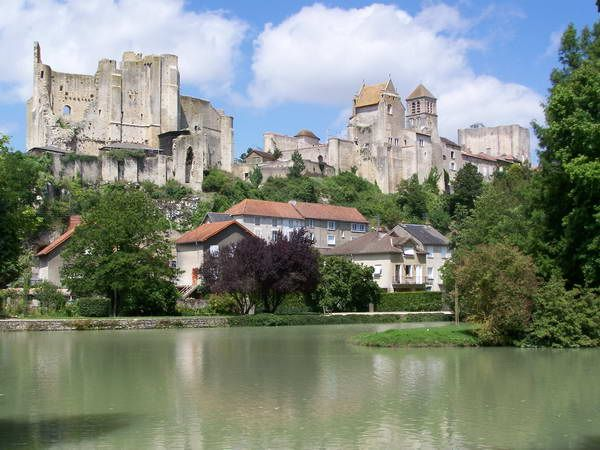 41 best le var france images on pinterest provence for Vienne poitiers