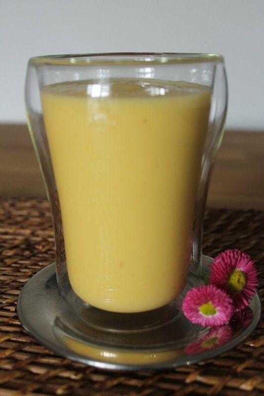 Smoothie ananasowe z mango