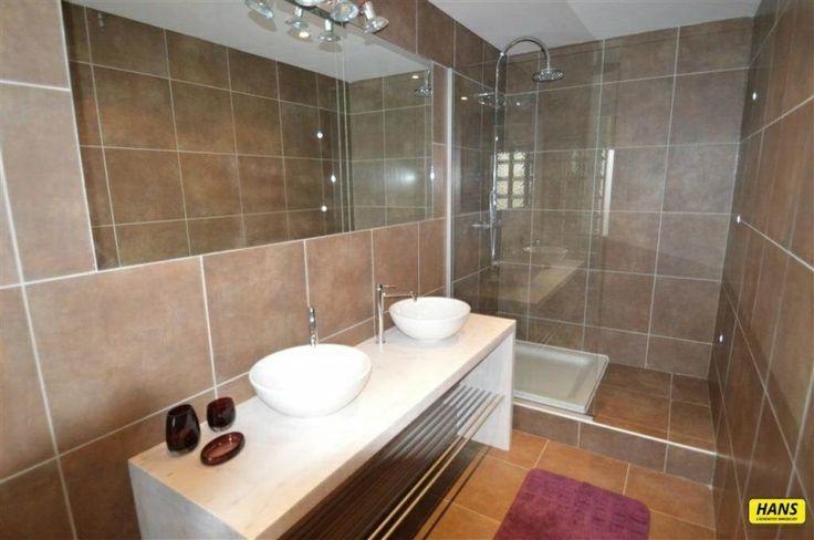 Appartement te koop in Antwerpen - 1 slaapkamers - 88m² - 150 000 € - Logic-immo.be - Volledig vernieuwd appartement van 88 m² met 1 slaapkamer in centrum Antwerpen. De living is  35 m² op parket met visgraatmotief is rechthoekig. De keuken van 8 m² is volledig ingericht met kasten en ...