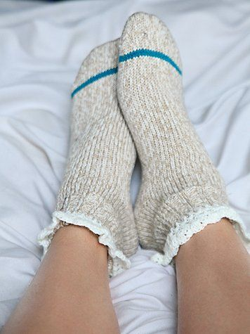 These scream 'lets cuddle', with a pretty girly accent & just a splash of color; Short Heathered Highland Boot Sock