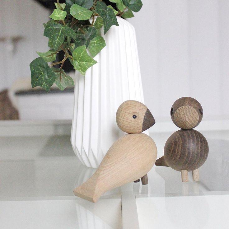 Fikk fine Lovebirds fra @helenaral  Tusen takk, de fikk sin plass på stuebordet! ☺️
