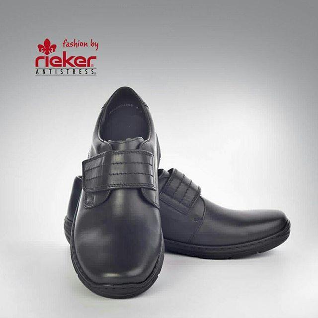 ΑΝΔΡΙΚΑ ΜΟΚΑΣΙΝΙΑ RIEKER 15262, αναπαυτικά, μαλακά και ξεκούραστα, διαθέτουν αυτοκόλλητο στο κουντεπιέ και μαλακιά ευλύγιστη σόλα. Τα παπούτσια Rieker θα τα βρείτε στο κατάστημα Τσακαλιάν στον Πειραιά!