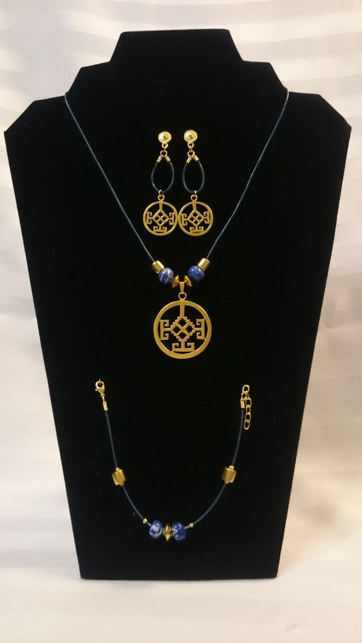 Collar y manilla en cuero azul dije y aretes precolombino for Bano de oro el yunque