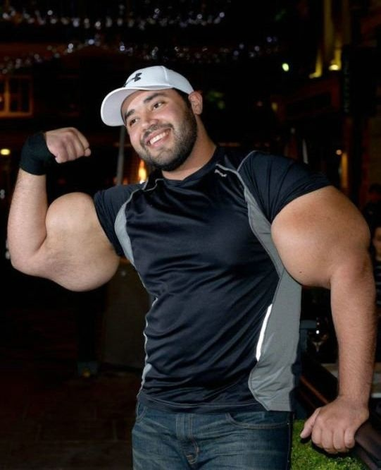 Man with the World's Largest Biceps – Moustafa Ismail.. Can we say, real-life Popeye? [VIDEO] ~ Amazing World Online