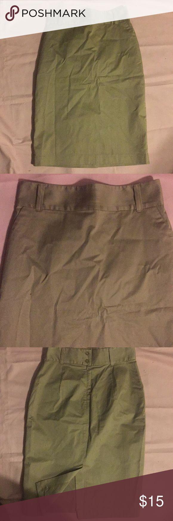 Banana Republic khaki pencil skirt Sz 8. Nice! Banana Republic khaki pencil skirt Sz 8. Nice!  Back zip. Wide waistband   Lined. 95% cotton. 5% spandex. Lining is 95% polyester. 5% spandex   Skirt is like New! Banana Republic Skirts Pencil