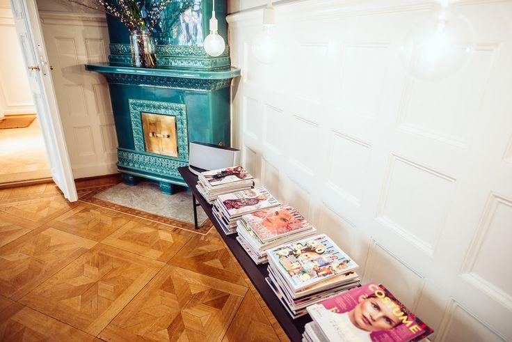 decorating with magazines