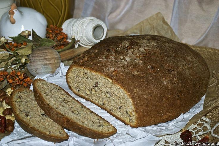 Chleb pszenny z miodem i orzechami