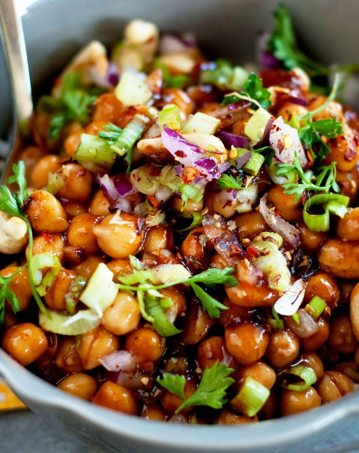 Kung pao chickpeas: Turn a favorite Chinese takeout dish vegan #vegetarian #recipe #veggie #healthy #recipes