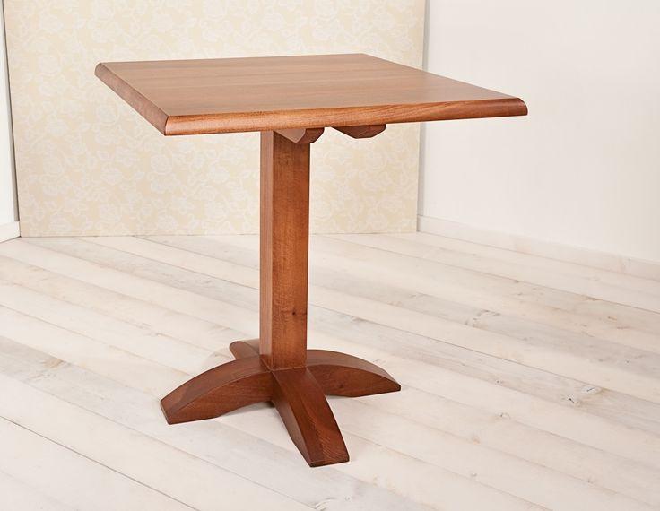 Table 090. Squared table in solid toulipier wooden with central base and a cherry-varnished rim. Tavolo 090. Tavolo quadrato in legno di toulipier massello con base centrale tinto ciliegio.