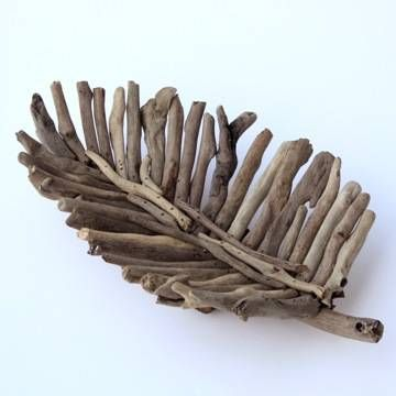 Love this as a fruit bowl...driftwood leaf decorative tray