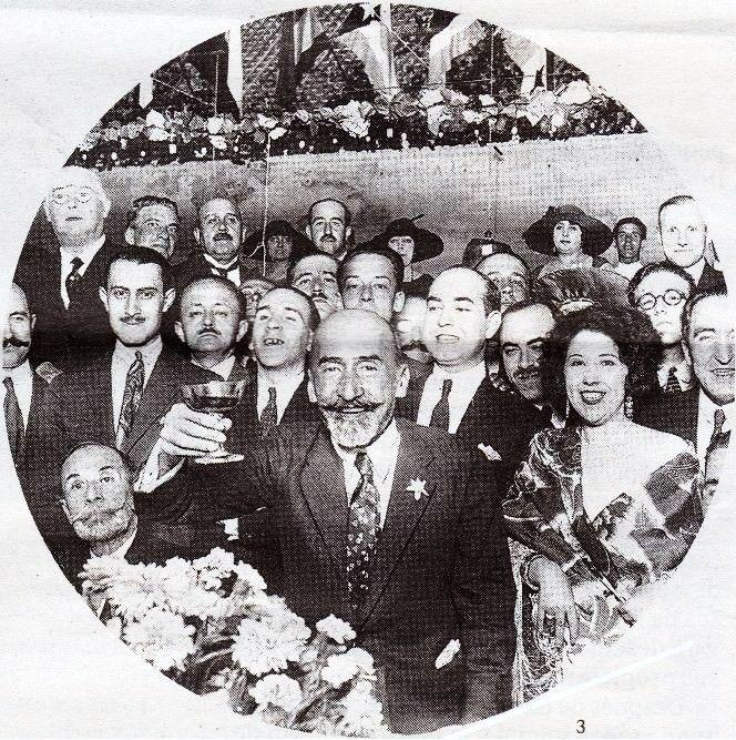 El dramaturgo brindando en un homenaje por su nobel, 1923. (Foto: Portela).