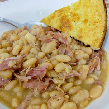 Slow cooked ham and white northern beans - give me recipes with 4 ingredients every night, please!   # Pin++ for Pinterest #