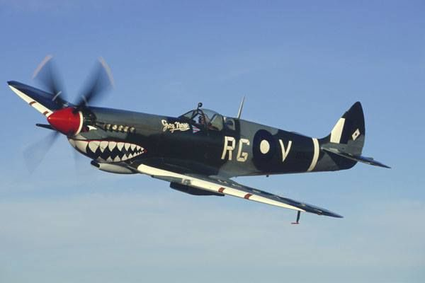 Spitfire MKVIII WOI Airshow Sunday 4 May 2014 Wollongong, Australia