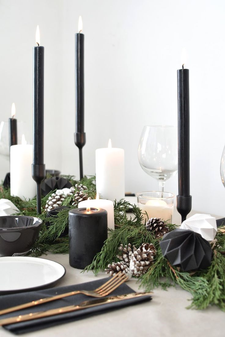 A Scandinavian Inspired Christmas Table Setting In 2020 Christmas Table Christmas Table Inspiration Christmas Table Decorations