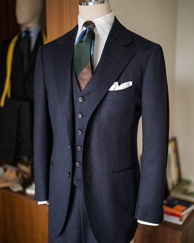 Heavy wool navy 3piece suit #비앤테일러 #bntailor #sumisura