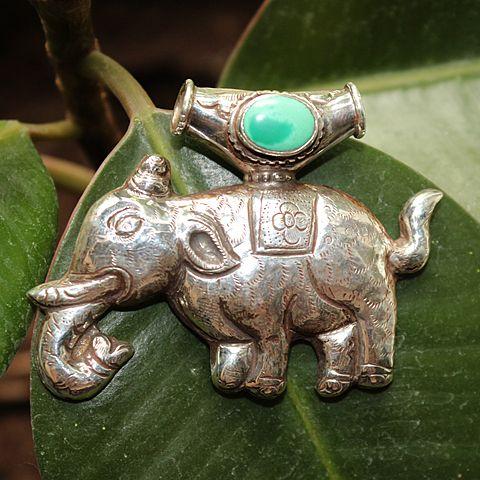 Серебряная подвеска с бирюзой Слон