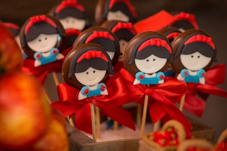 Festa Branca de Neve: chocolate no palito - Foto: Profilm