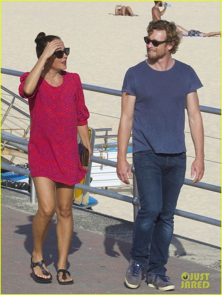 Simon Baker and Rebecca Rigg - She always has great shoes/style.
