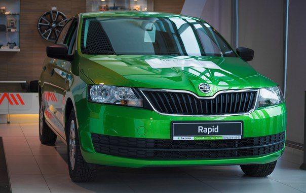 ŠKODA Rapid в новом цвете зеленый RALLYE подчеркнет ваш индивидуальный стиль. Начните весну ярко!