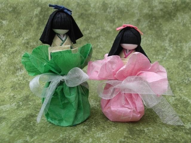 Paper hina dolls