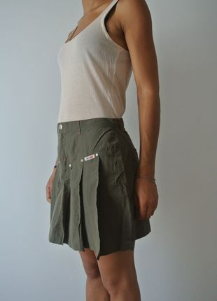 A vendre sur #vinted ! http://www.vinted.fr/femme/mini-jupes/2438741-jupe-plissee-kaki-jennyfer